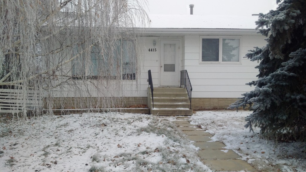 Main Photo: 4415 48 Street in Mayerthorpe: House for sale : MLS® # 41991