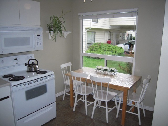Photo 3: 6 3075 TRETHEWEY Street in Abbotsford: Abbotsford West Townhouse for sale : MLS(r) # F1315428
