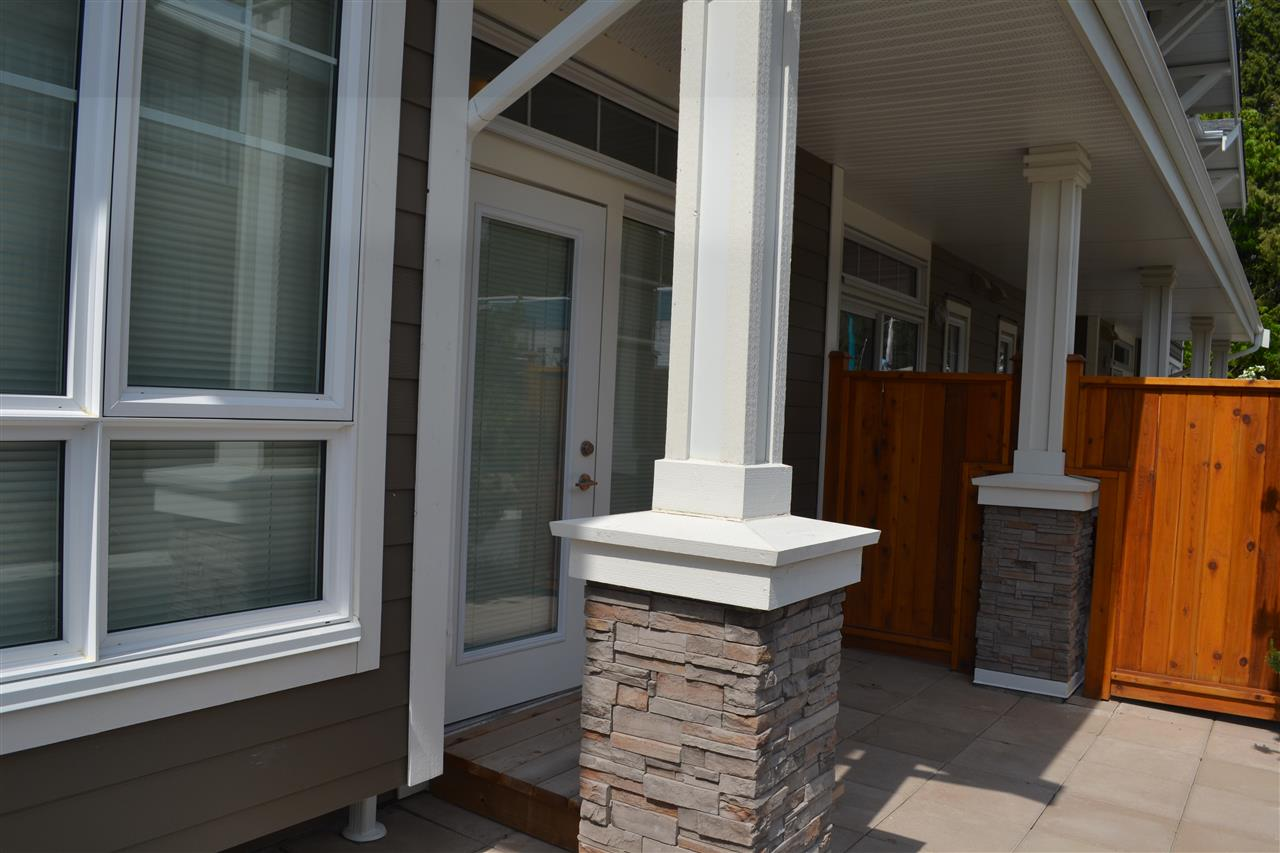 Photo 9: 5990 BEACHGATE LANE in Sechelt: Sechelt District Townhouse for sale (Sunshine Coast)  : MLS® # R2063345