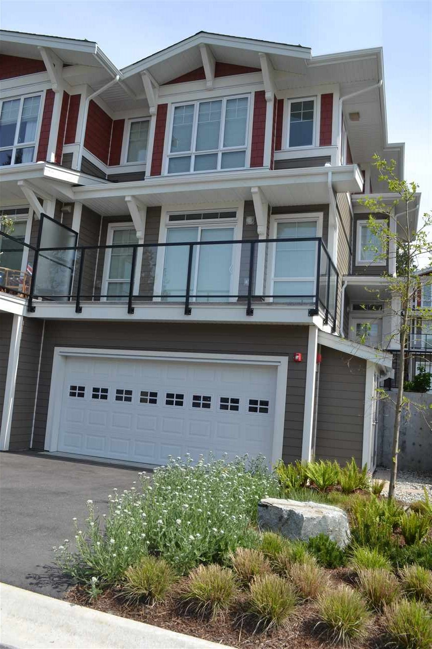 Photo 2: 5990 BEACHGATE LANE in Sechelt: Sechelt District Townhouse for sale (Sunshine Coast)  : MLS® # R2063345