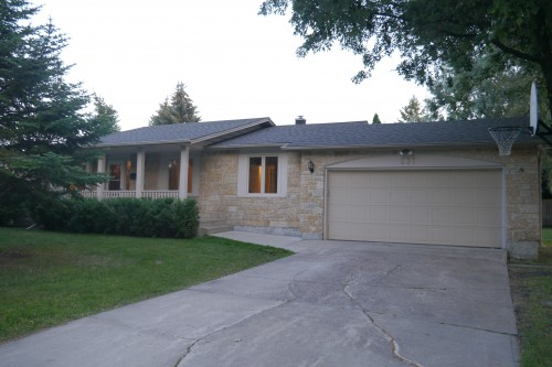Main Photo: 231 Browning Boulevard in Winnipeg: Westwood Single Family Detached for sale (West Winnipeg)  : MLS® # 1419662