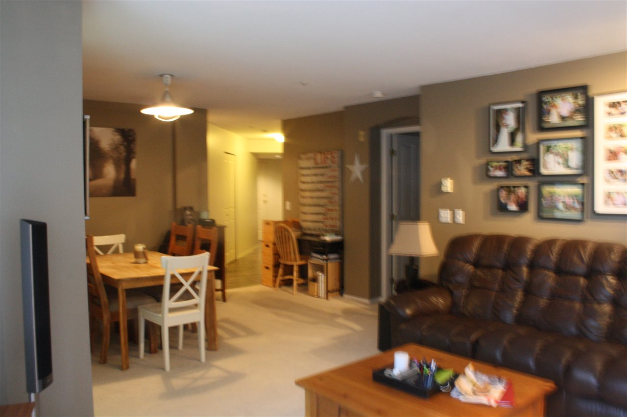 Photo 7: 212 20976 56 AVENUE in Langley: Langley City Condo for sale : MLS® # R2147690