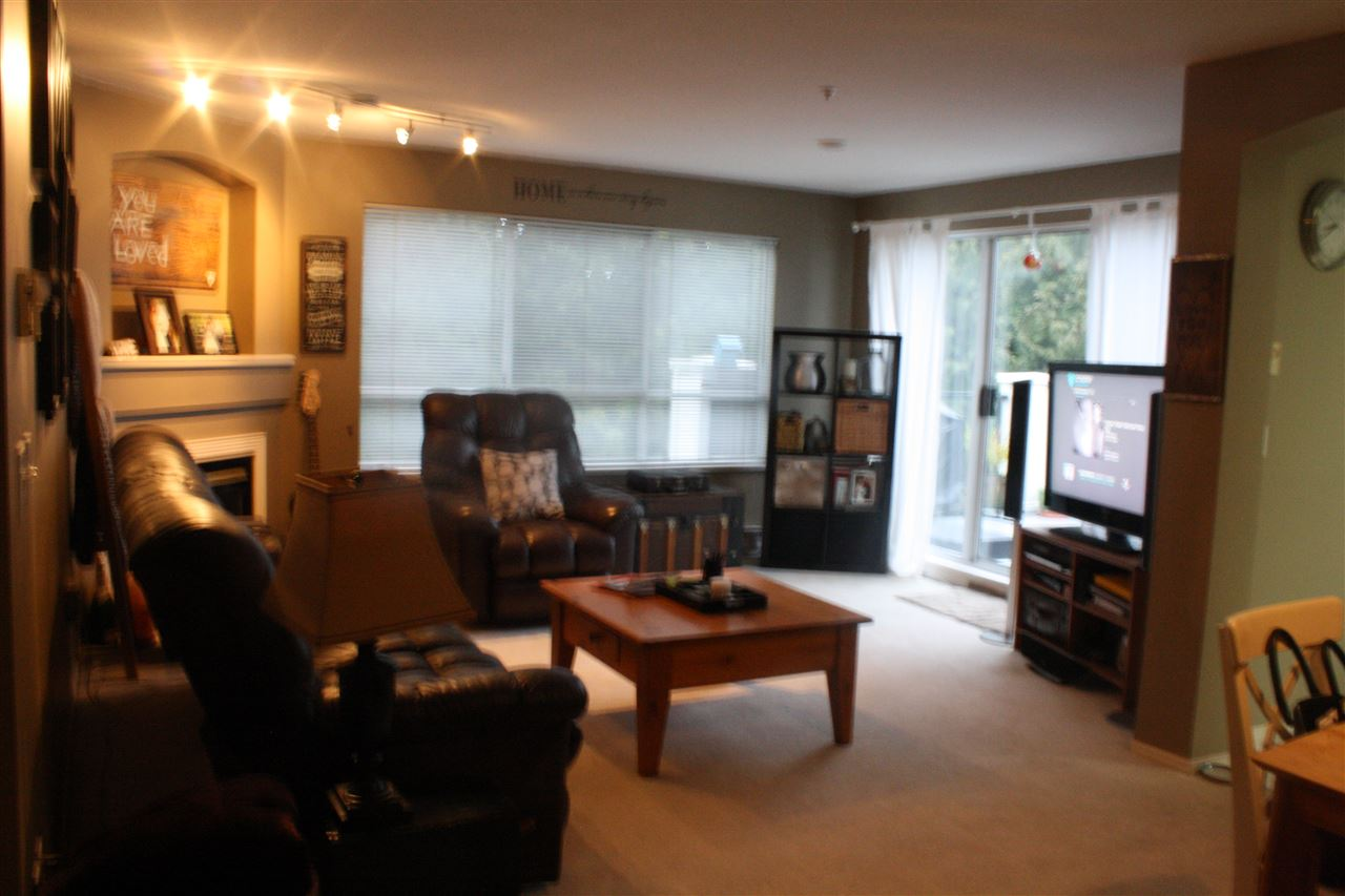 Photo 6: 212 20976 56 AVENUE in Langley: Langley City Condo for sale : MLS(r) # R2147690
