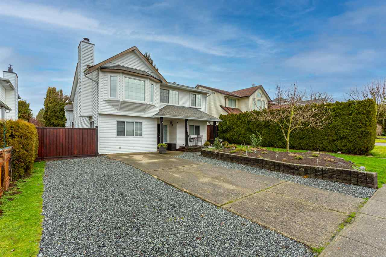 FEATURED LISTING: 26593 28 Avenue Langley