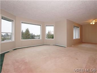 Photo 6: 3334 Haida Drive in VICTORIA: Co Triangle Single Family Detached for sale (Colwood)  : MLS® # 304122