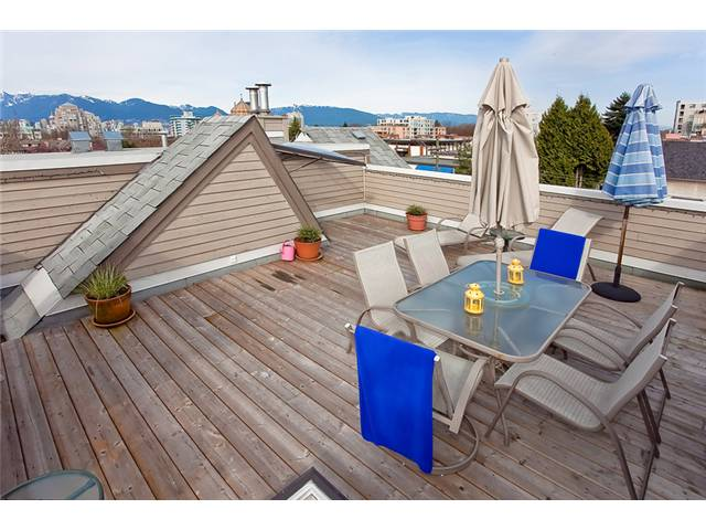 Main Photo: 3 3189 ASH Street in Vancouver: Fairview VW Condo for sale (Vancouver West)  : MLS® # V942326