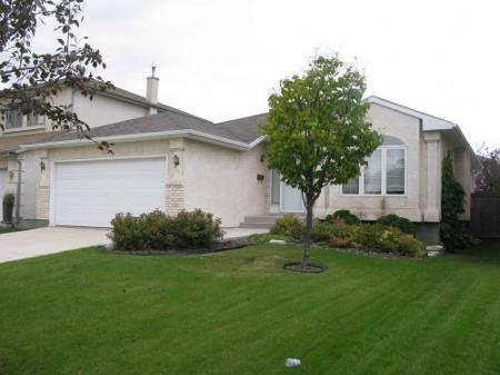 Main Photo: Elegant 4 Bedroom Bungalow