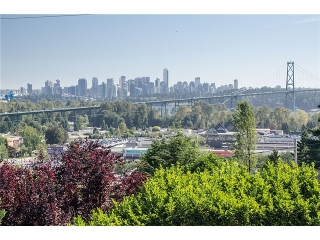 Main Photo: 808 ESQUIMALT Avenue in West Vancouver: Ambleside House for sale : MLS® # V986204