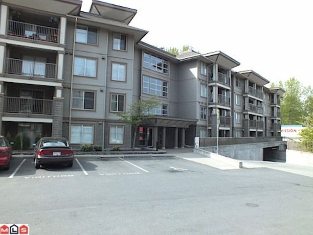 Main Photo: 315 45567 Yale Road in Chilliwack: Condo for sale : MLS® # H1201659