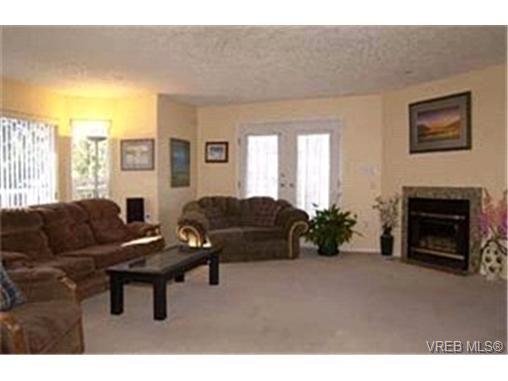 Photo 2: 214 Jamie Place in VICTORIA: La Florence Lake Single Family Detached for sale (Langford)  : MLS® # 226631