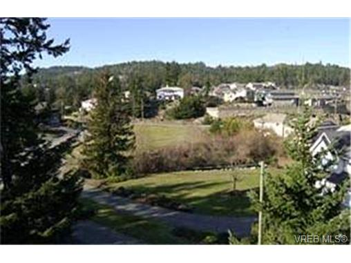 Photo 9: 214 Jamie Place in VICTORIA: La Florence Lake Single Family Detached for sale (Langford)  : MLS® # 226631