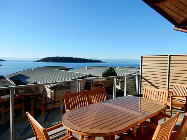 Photo 2: 6496 WILDFLOWER PL in Sechelt: Sechelt District Condo for sale (Sunshine Coast)  : MLS(r) # V1107940