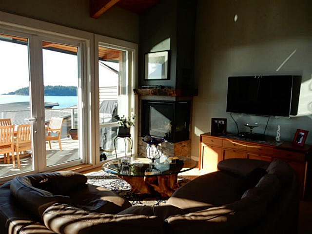 Photo 4: 6496 WILDFLOWER PL in Sechelt: Sechelt District Condo for sale (Sunshine Coast)  : MLS(r) # V1107940