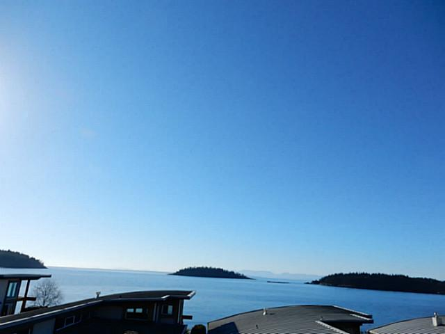 Main Photo: 6496 WILDFLOWER PL in Sechelt: Sechelt District Condo for sale (Sunshine Coast)  : MLS(r) # V1107940