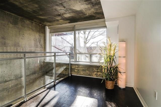 Photo 5: 954 King St W Unit #106 in Toronto: Niagara Condo for sale (Toronto C01)  : MLS(r) # C3407664