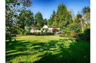 Main Photo: 959 Reed Road in Sunshine Coast: Gibsons & Area House Duplex for sale : MLS®# R2116391