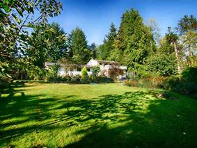 Main Photo: 959 Reed Road in Sunshine Coast: Gibsons & Area House Duplex for sale : MLS® # R2116391