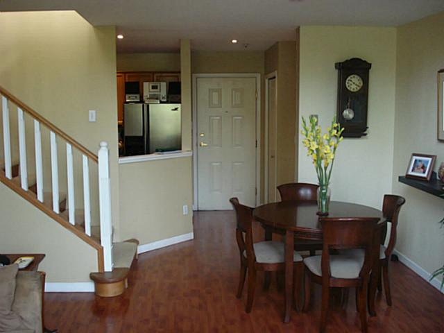 Photo 2: # 504 60 RICHMOND ST in New Westminster: Fraserview NW Condo for sale : MLS(r) # V1027675
