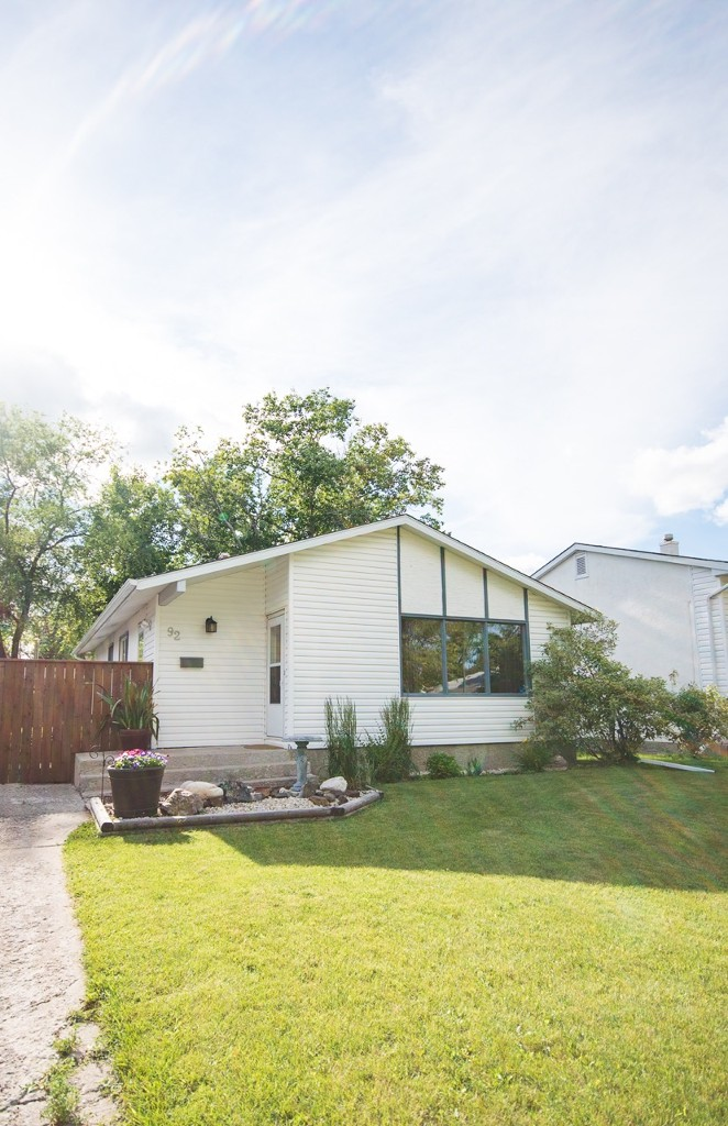Main Photo: 92 Hammond Road in Winnipeg: Charleswood Single Family Detached for sale (West Winnipeg)  : MLS® # 1617394
