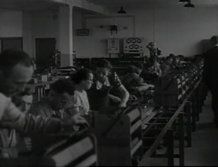 Normal_marklin-factory-floor-1945