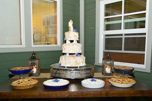 san juan island wedding-cake-tall-coho-restaurant