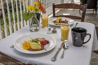 breakfast-05logo