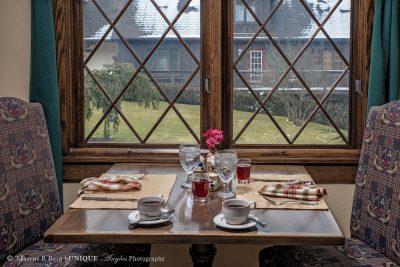 breakfast-table-02logo