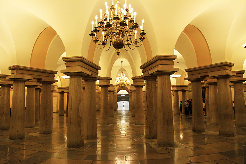 The Crypt below the United States Capitol (Wikimedia)