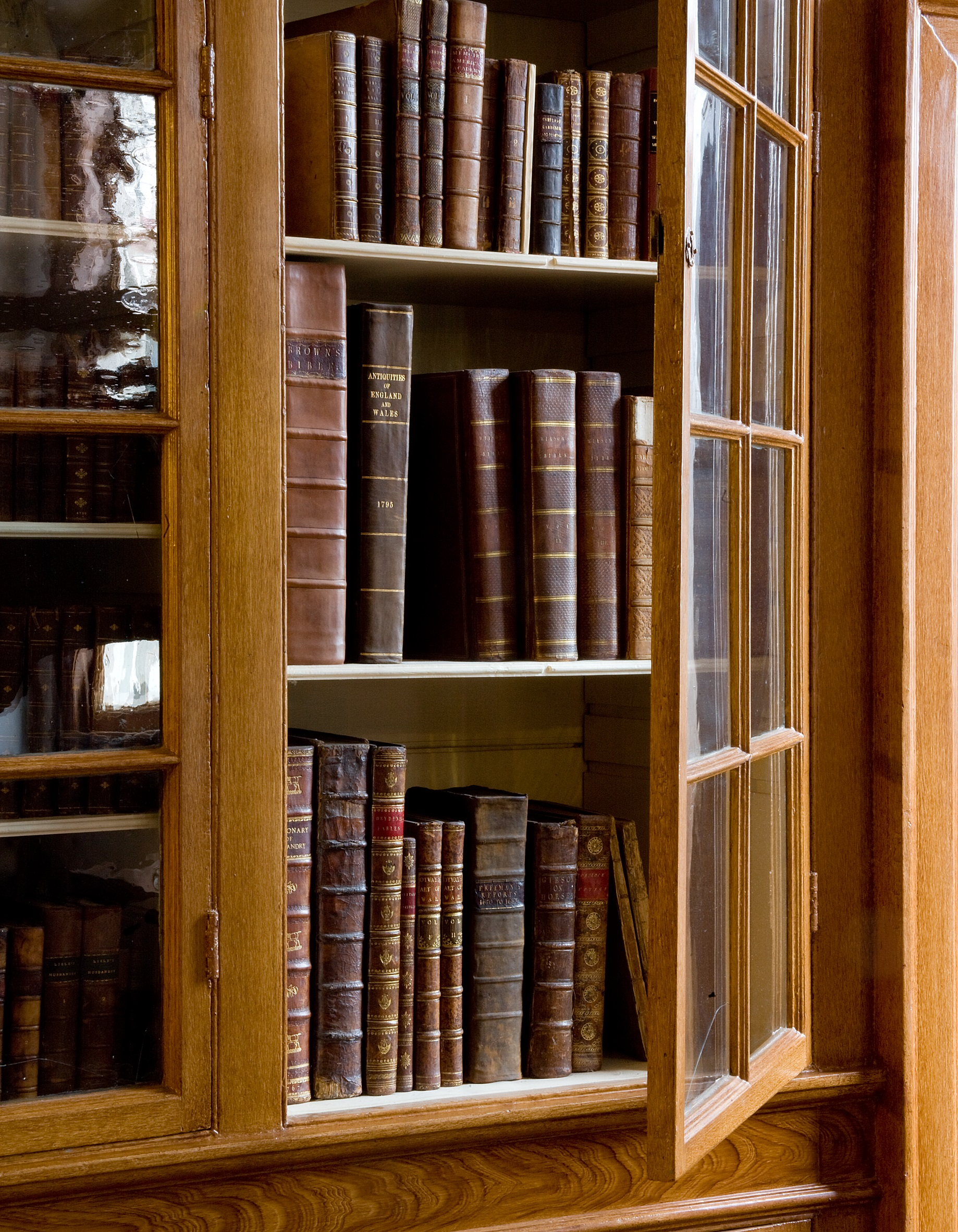 The bookcase in Washington's study.