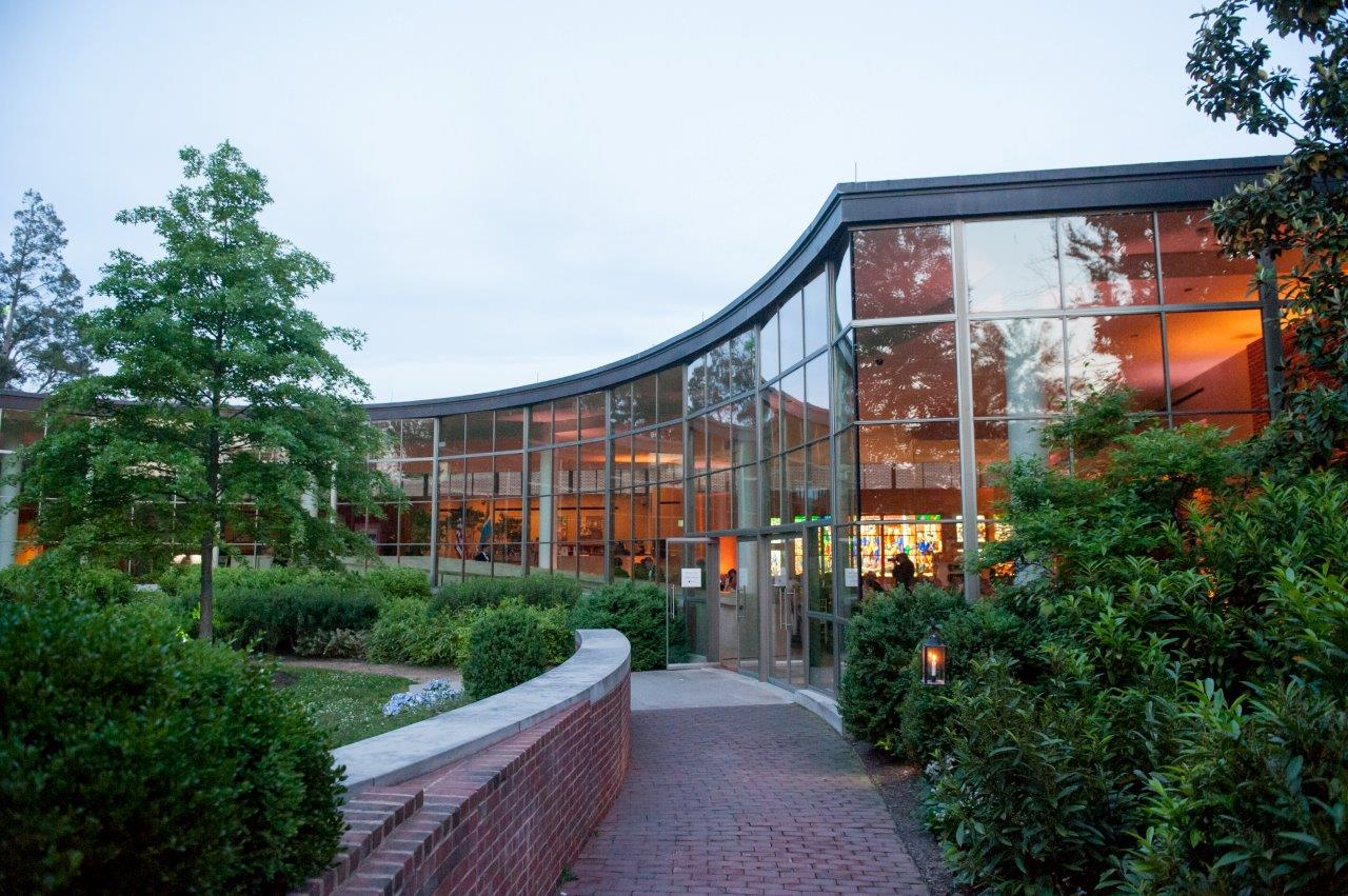 The Ford Orientation Center opened in 2006, and ushers visitors into the 18th century (MVLA)