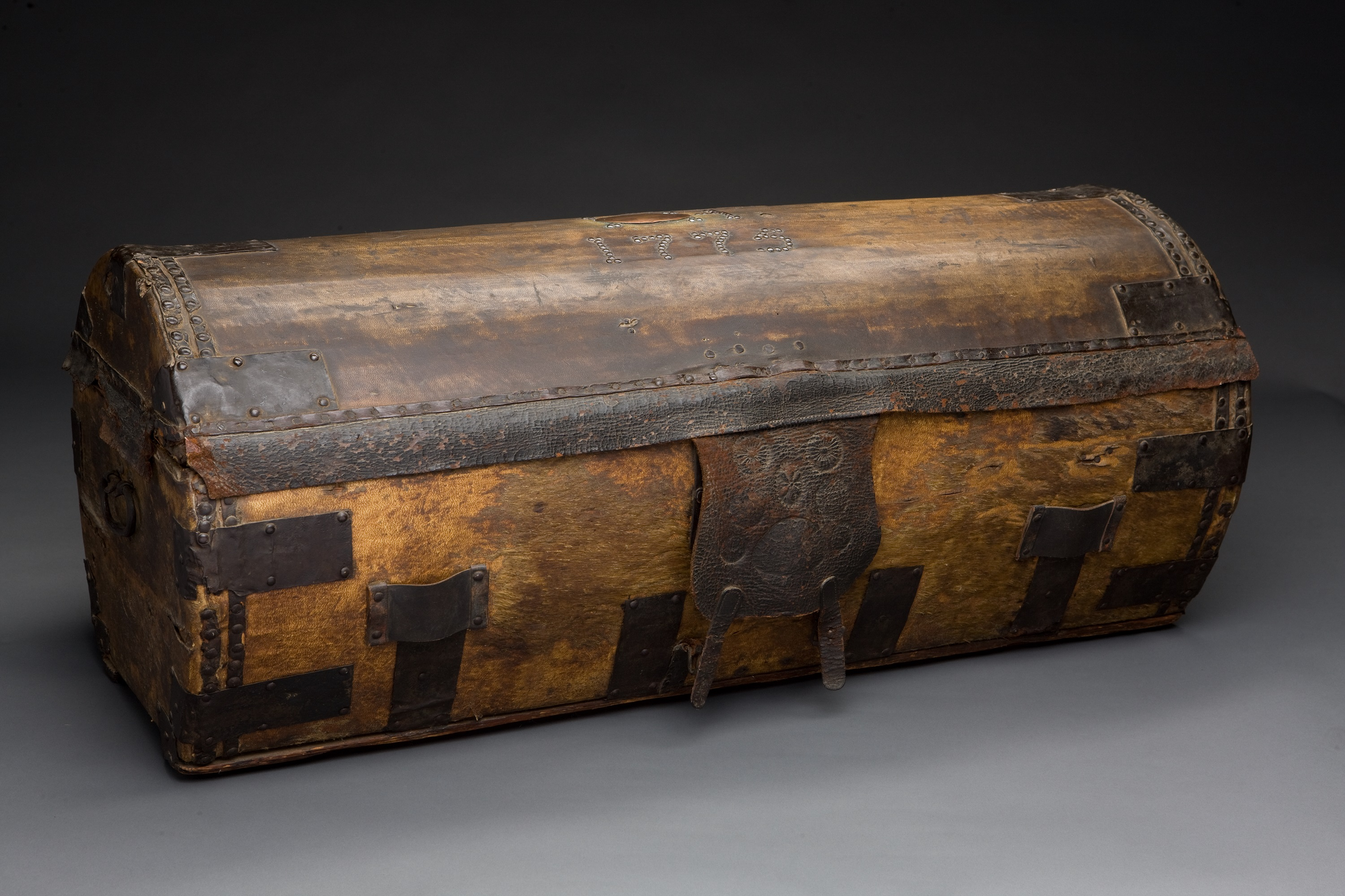 Travelling trunk, purchased in 1776, and used by George Washington to secure his wartime correspondence.