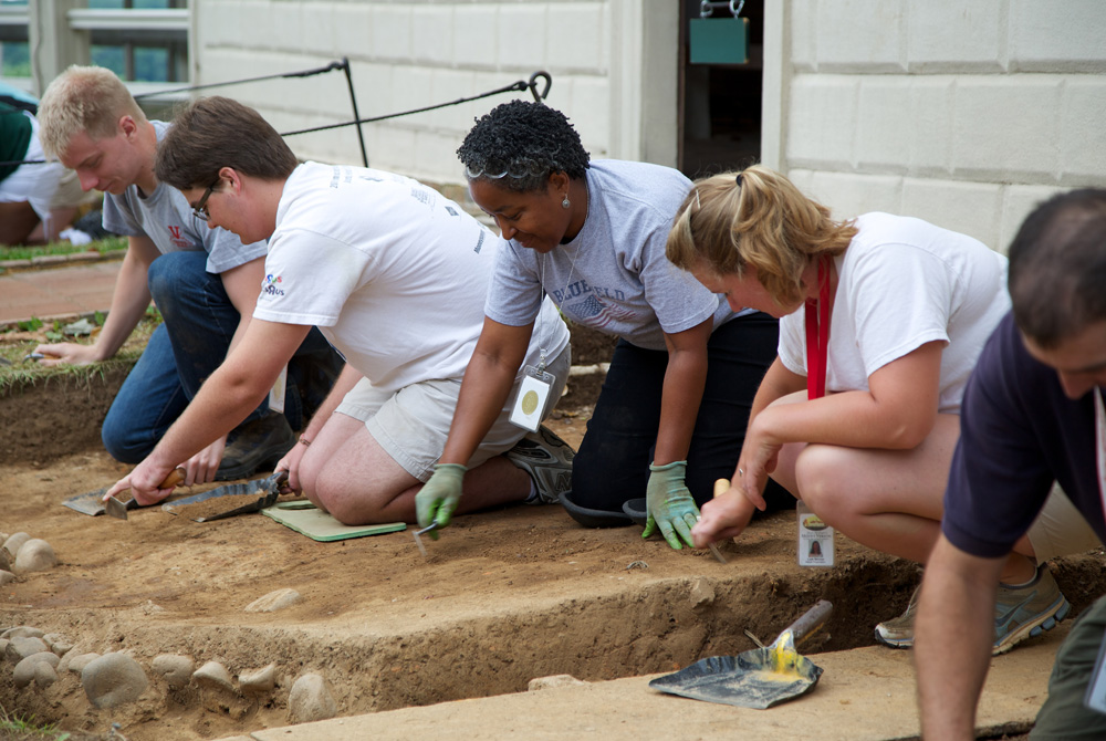 Students and volunteers begin the excavation work near the site of the pre-1775 kitchen at Mount Vernon