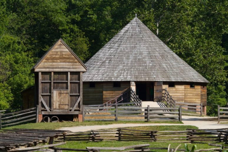 Washington's 16-sided barn was reconstructed on the Pioneer Farm.