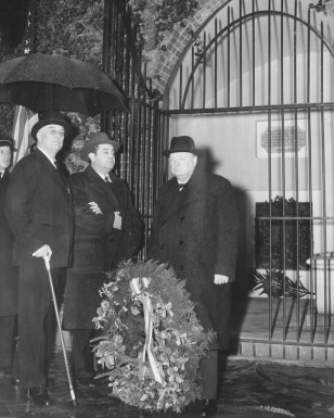 Franklin Delano Roosevelt and Winston Churchill at Washington's tomb, January 8, 1942.