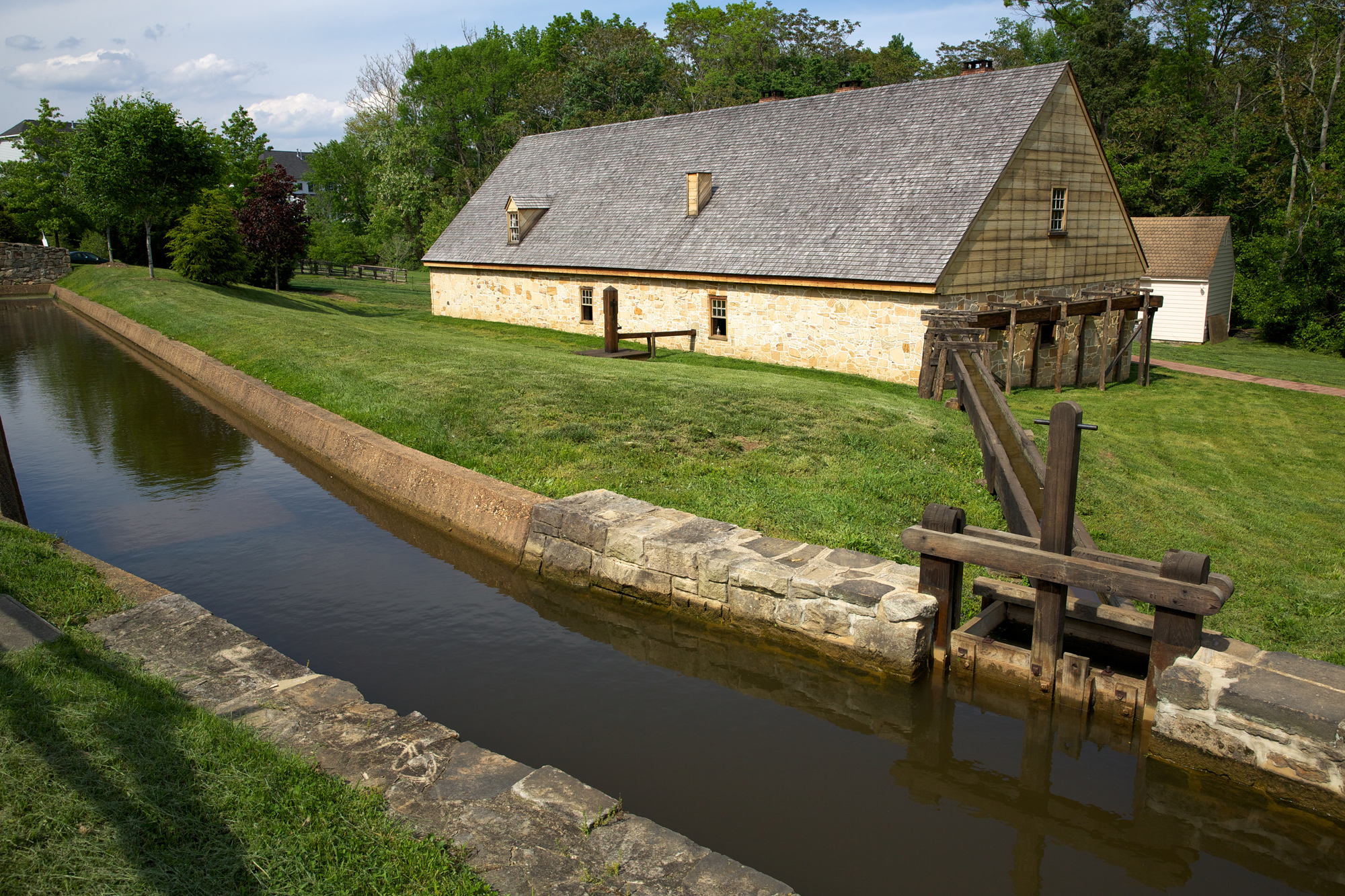 Distillery george washingtons mount vernon come see the working distillery at mount vernon you can visit this recreation where we continue to make his whiskey today malvernweather Gallery