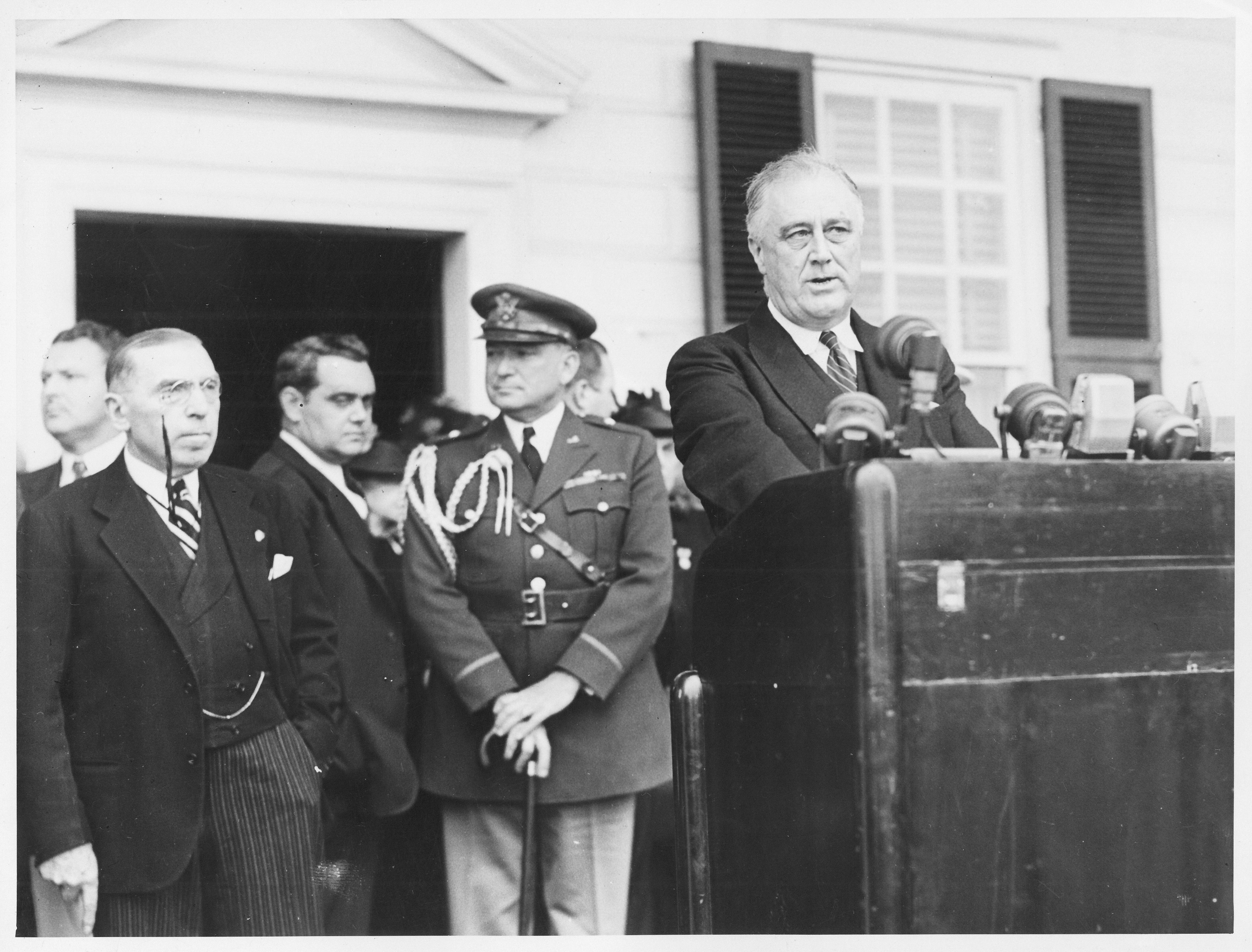 President Franklin D. Roosevelt addresses Mount Vernon on April 14, 1939