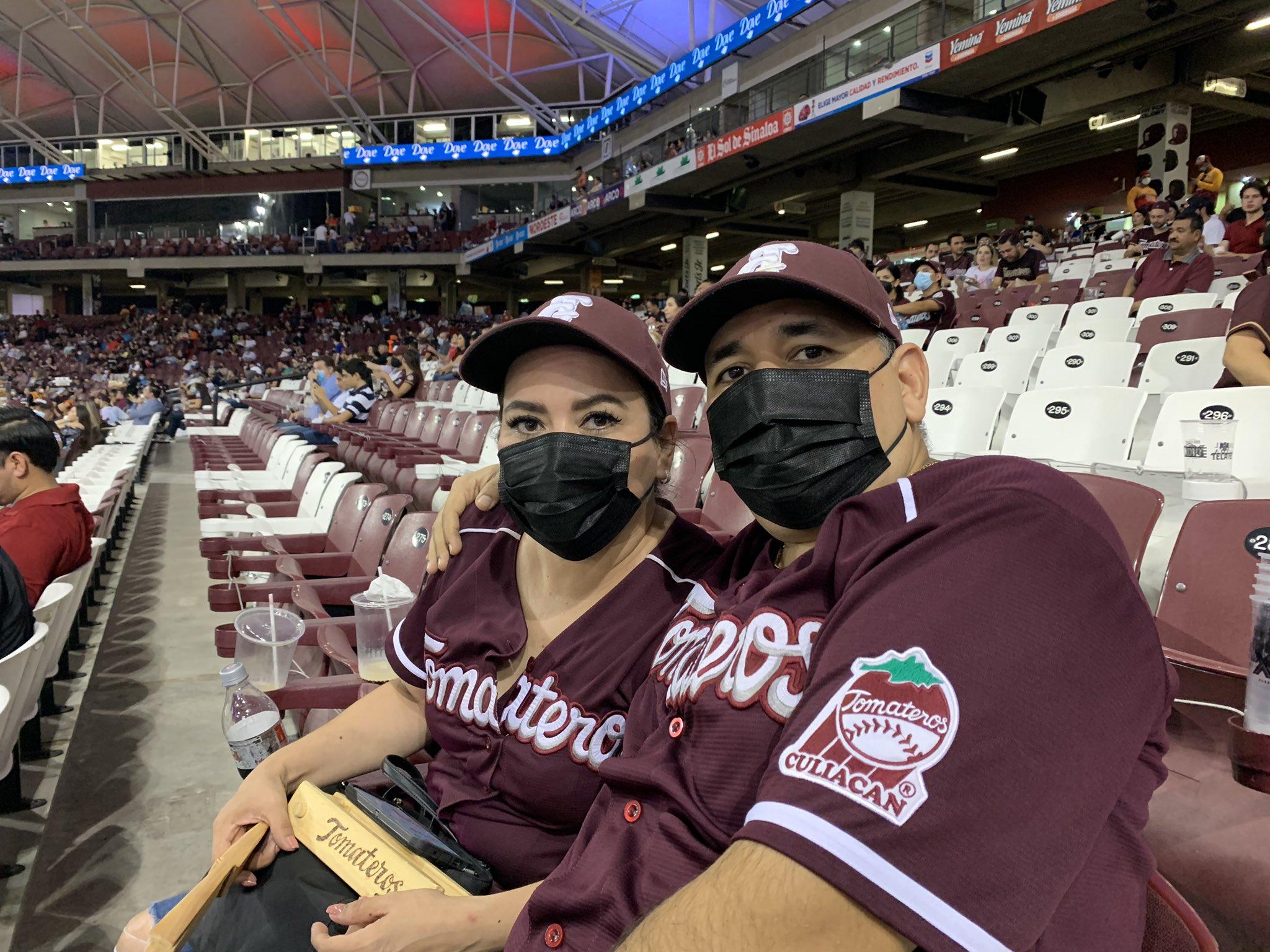 [VIDEO] Fans no cumplen protocolos sanitarios al comenzar temporada del Pacífico