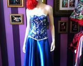 Blue___silver_brocade_corset2