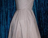 Gingham_ruffled_dress2