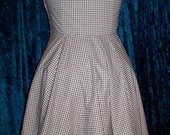 Gingham_ruffled_dress3