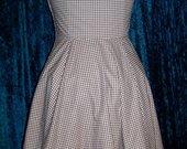 Gingham_ruffled_dress3