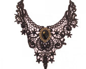 Lace-choker-with-large-black-jewel