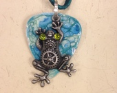 Frog_on_guitar_pick_necklace
