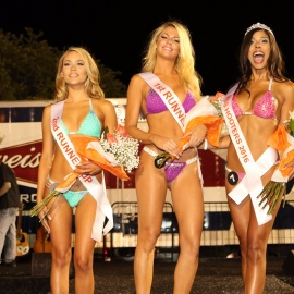 Hooters Swimsuit Pageant