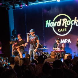 3 Doors Down : Hard Rock Cafe