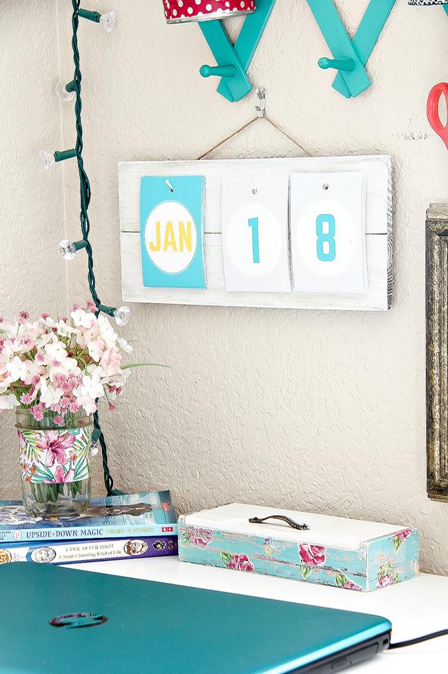 A Simple DIY Wall Calendar
