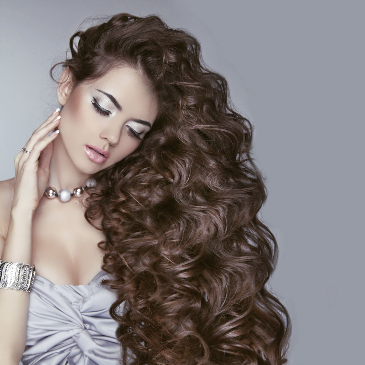 Фото девушек с длинными волосами 22 фотография