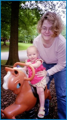 Jen and her niece Alice - 2a, Blonde, Wavy hair, Short hair styles, Readers, Female hairstyle picture