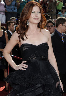 Debra Messing - Redhead, Celebrities, Wavy hair, Long hair styles, Female hairstyle picture