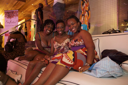 Naturals Sitting Comfortably at the Curly Pool Party - Short hair styles, Medium hair styles, Kinky hair, Twist hairstyles, Female, Adult hair, Kinky twists, Textured Tales from the Street hairstyle picture